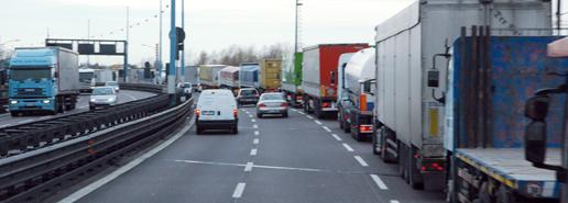 Camiones transportando mercancías