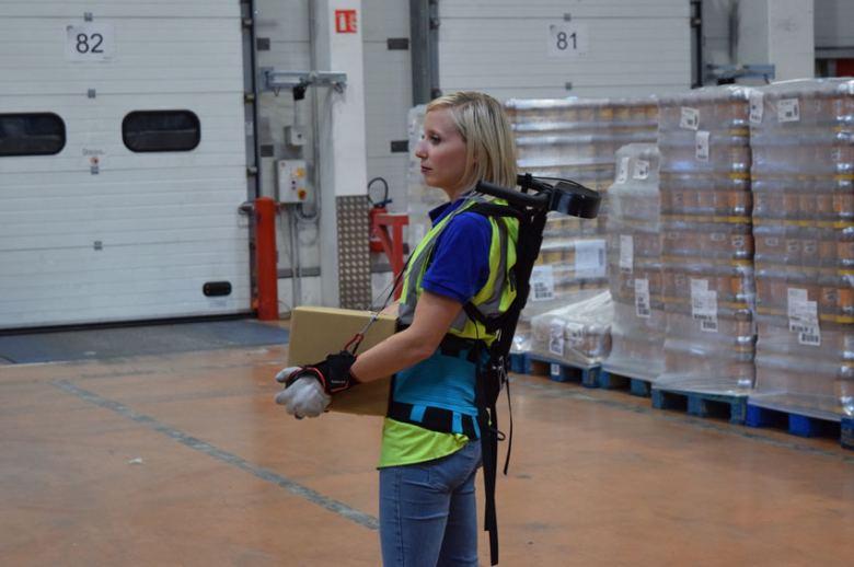 Exoesqueletos para los operarios de almacén de FM Logistic
