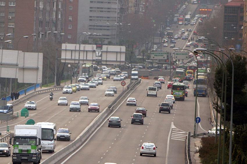UNO no quiere que las nuevas restricciones al tráfico en Madrid coincidan con el Black Friday