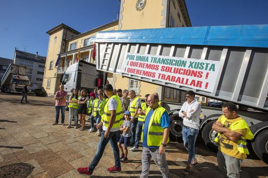 Los transportistas de carbón retoman las negociaciones con la Xunta de Galicia en busca de una solución