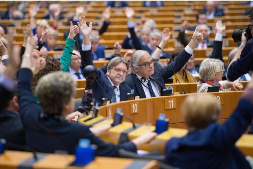 El Parlamento europeo decide no dar más fondos al transporte por carretera