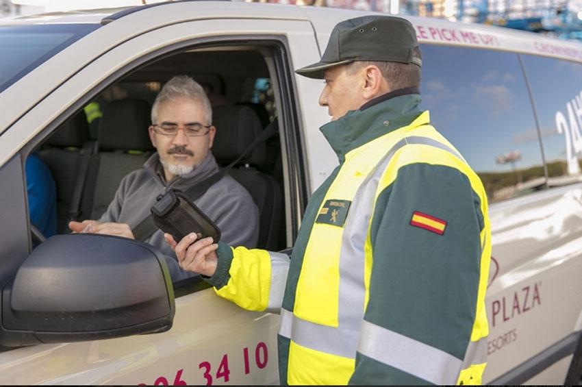 La DGT sanciona a más de 3.000 furgonetas en su última campaña de seguridad