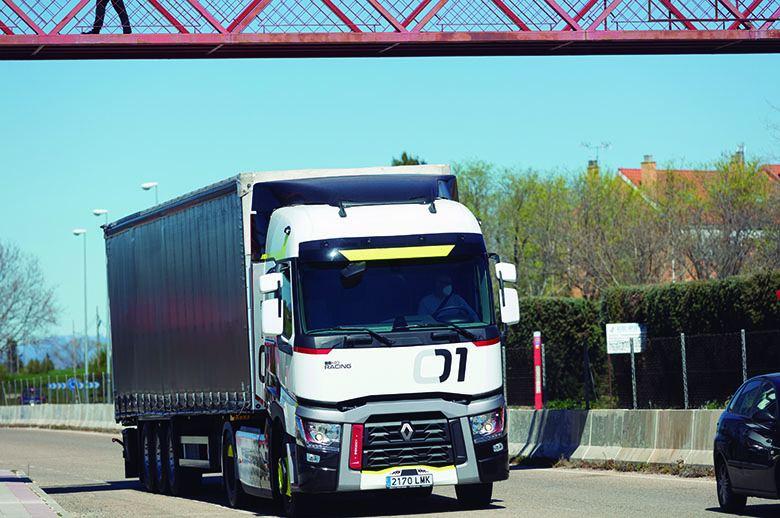 Contacto T 01 Racing de Renault Trucks