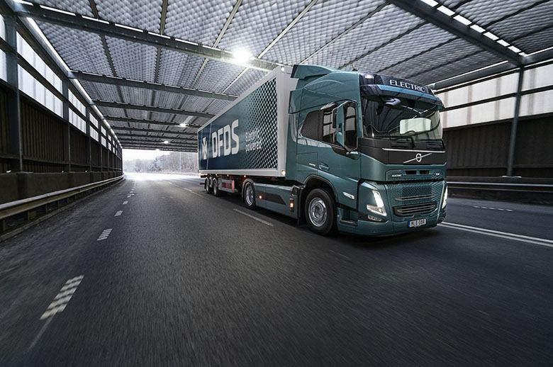 Volvo Trucks y DFDS cooperan para poner en marcha el transporte eléctrico