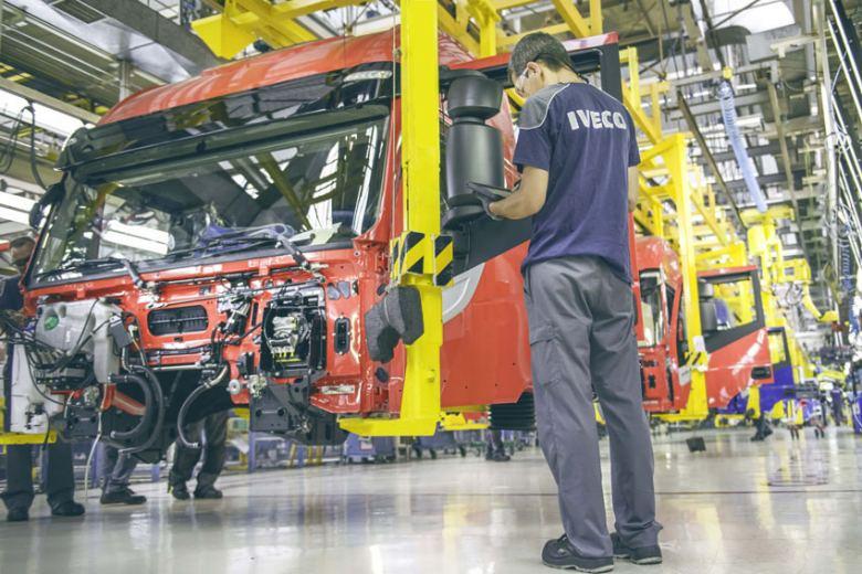 La producción de las fábricas de vehículos españolas crece casi un 10% en octubre