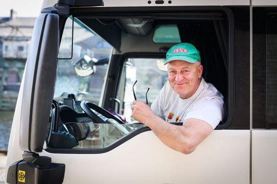 Conductor senior de camión