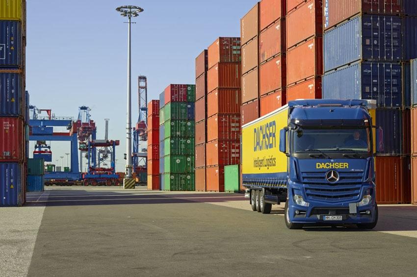 Dachser lleva sus servicios de transporte marítimo a China y México