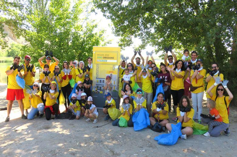 DHL recoge casi una tonelada de residuos en Madrid y Valencia