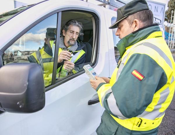 Control de detección de alcohol y drogas entre conductores