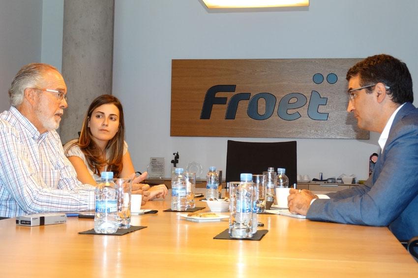 Froet se reúne con Ciudadanos para alertar de lo que supondría al transporte una subida de impuestos al gasóleo