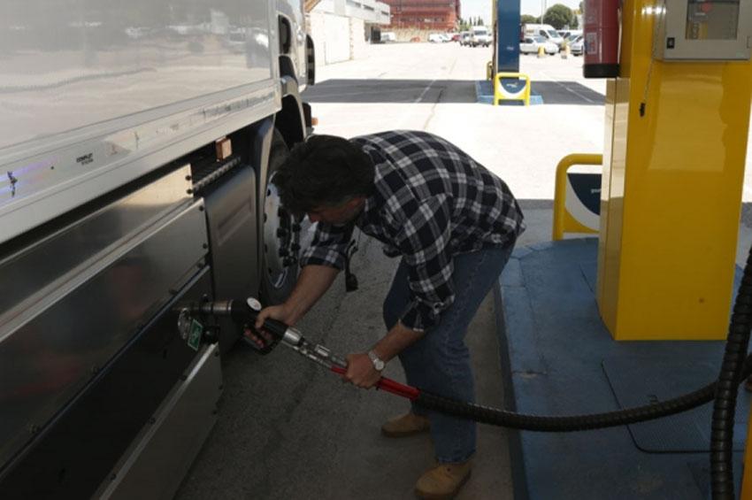 FETRACAL celebra que Fomento incluya a todo el transporte de mercancías en el gasóleo profesional