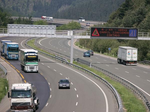 Autopista de peaje AP-68