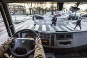 Volvo Trucks trabaja en la seguridad de peatones y ciclistas