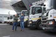 Scania entrega a Servicios y Mantenimientos Joga 10 camiones para transporte ADR