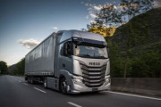 Iveco actualiza el S-Way, ahora más eficiente y conectado que nunca