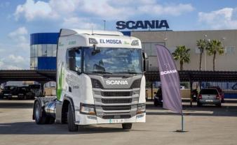 El Mosca suma tres camiones Scania GNL a su flota