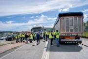 Nuevas reivindicaciones de los transportistas de carbón en lucha por la supervivencia de la central térmica de As Pontes