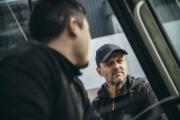Transportes autoriza a que vayan dos personas en la cabina del camión y a la apertura de talleres de vehículos