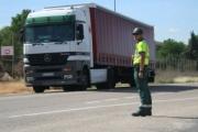 La DGT quiere endurecer las sanciones a los conductores que usen el móvil al volante