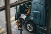 Transportes sopesa retrasar un año el visado de las autorizaciones de mercancías