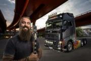 """Volvo Trucks presenta """"Swedish Metal"""", el camión diseñado por una leyenda del heavy"""