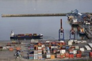 La DGT regula por ley la posibilidad de que los camiones transporten contenedores de 45 pies