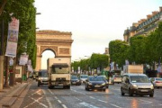 Francia levanta las restricciones a la circulación de camiones a causa del coronavirus